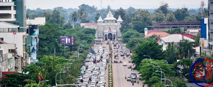 Un premier train de voyageurs entre Kunming et Vientiane